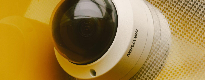 Jaką kamerę wybrać do domowego monitoringu? Najważniejsze parametry